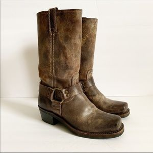 FRYE / brown distressed Harness 12R boots / 7.5